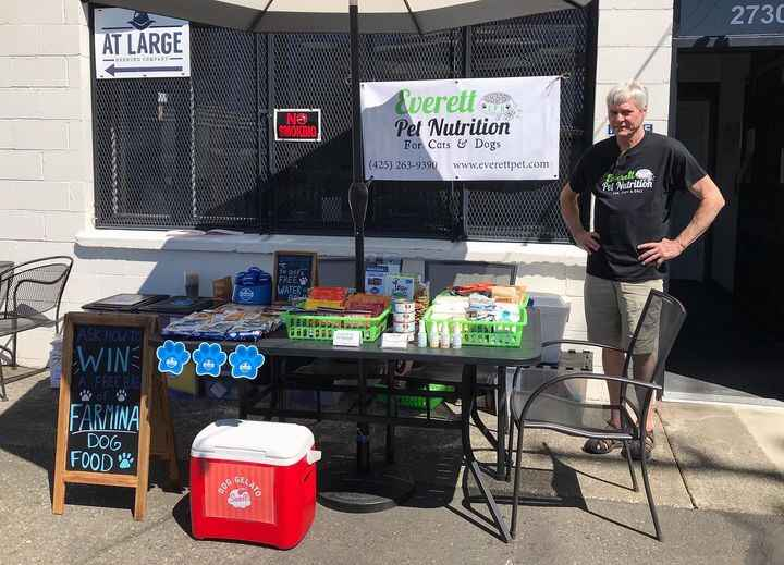We are at At Large Brewing now until 7pm! We have food and treat samples, and have a rep from Farmina joining us! We hop...