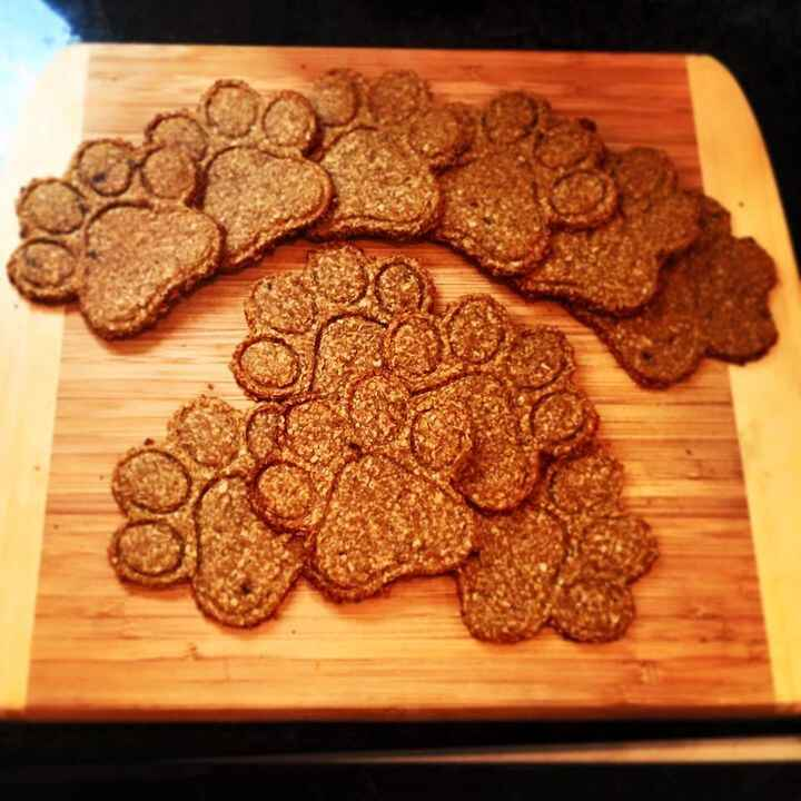 New from Paw by Paw, homemade puppy treats!! These are all natural! Banana, organic peanut butter, and oat bran with a s...