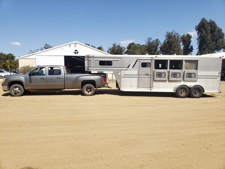 Trailering horses to the Dressage show